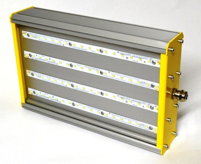 Промышленный светильник с защитой от возгорания.