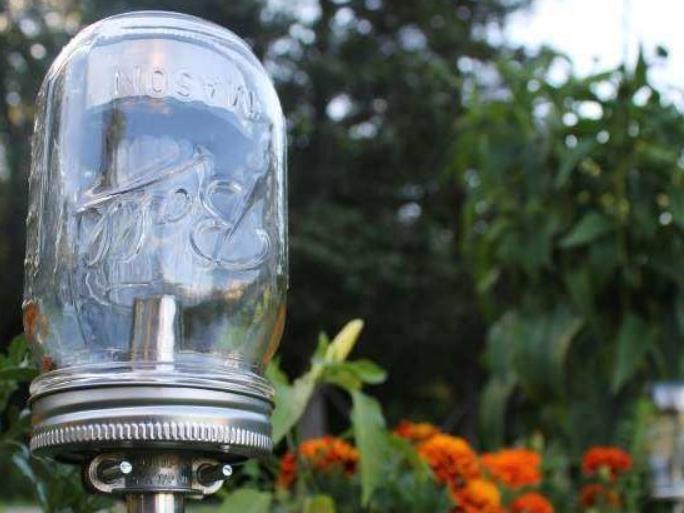 Делаем садовый фонарь на солнечной батарее