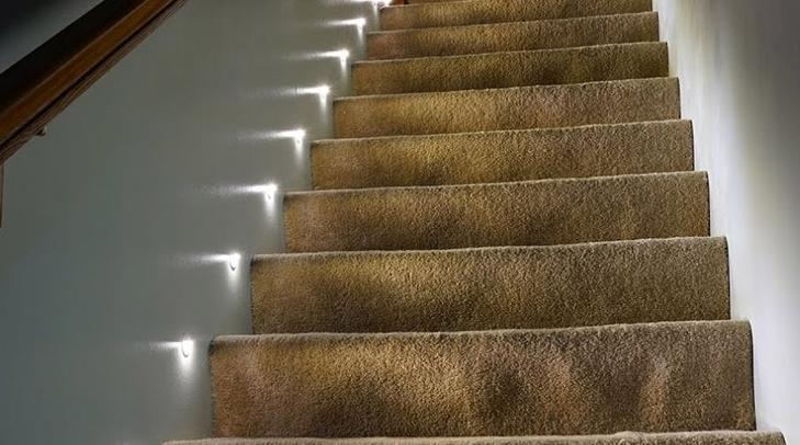 Встроенные варианты удобнее всего ставить в гипсокартонные стены.