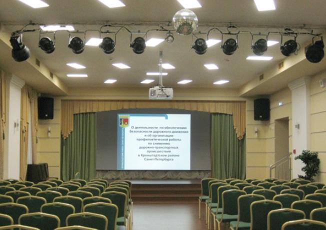 Описание и особенности театрального освещения сцены
