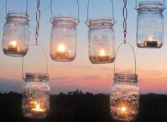Свечи не дают яркого света