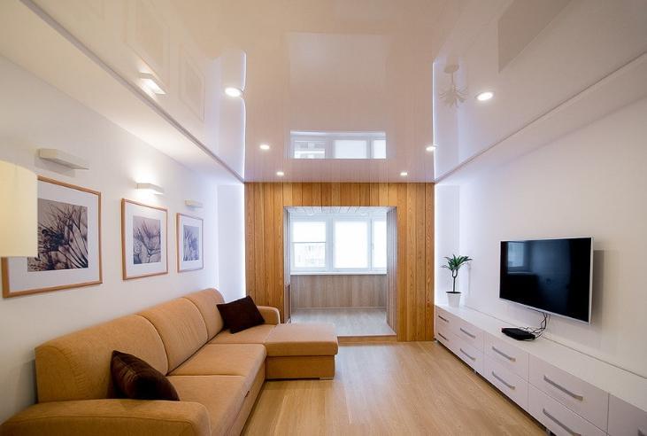 Освещение натяжных потолков в гостиной