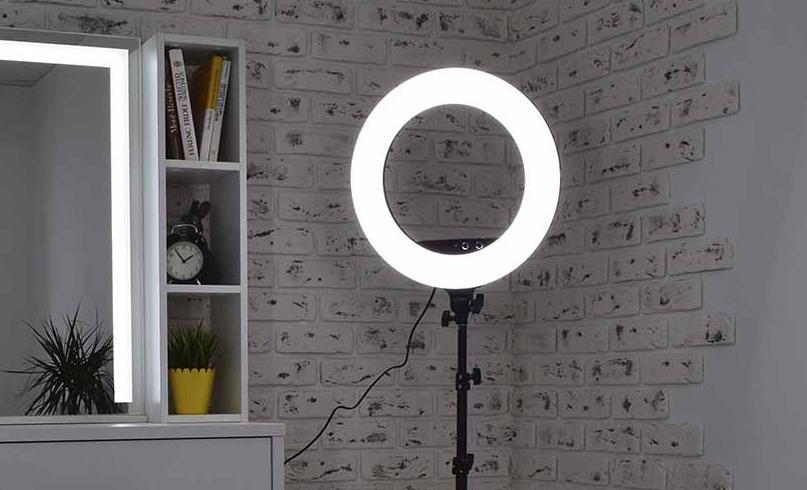 Как сделать кольцевой осветитель в домашних условиях