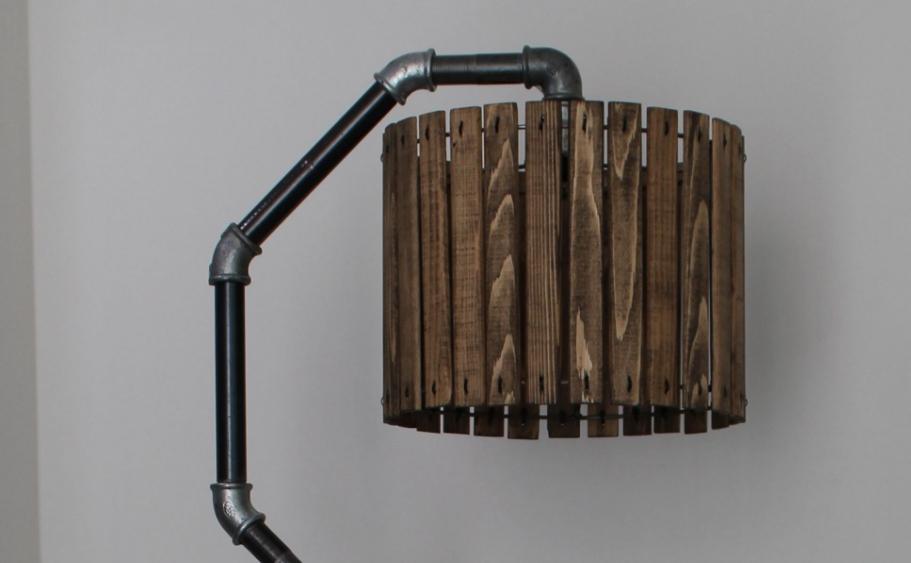 Деревянный плафон для торшера.