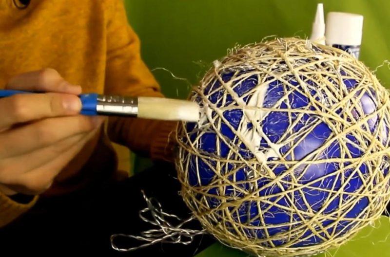 Как сделать светильник из ниток — пошаговая инструкция