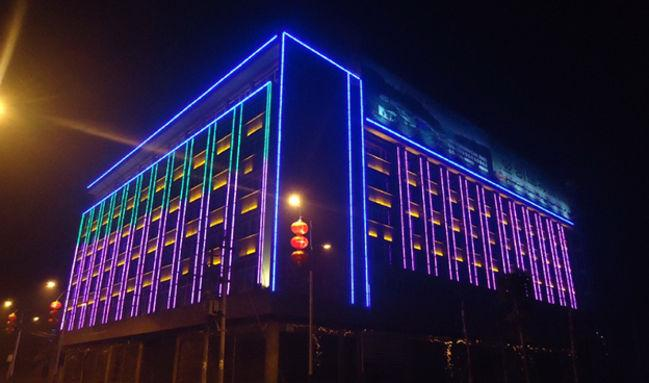 Декоративная подсветка здани