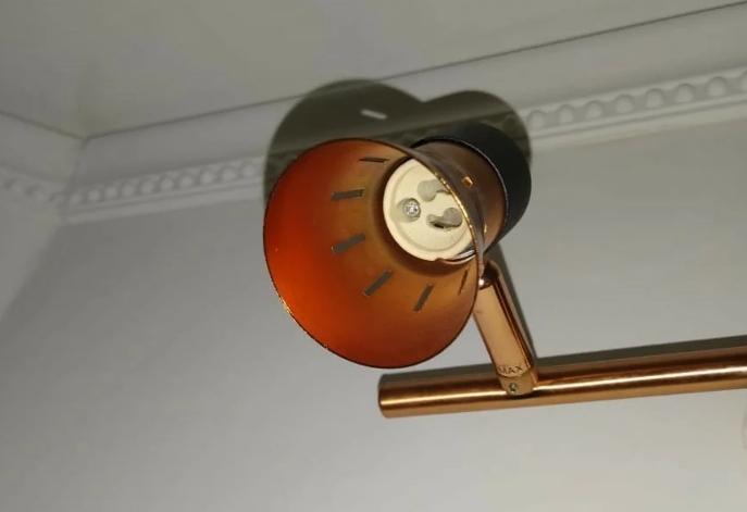 Как подключить патрон для лампочки к проводам