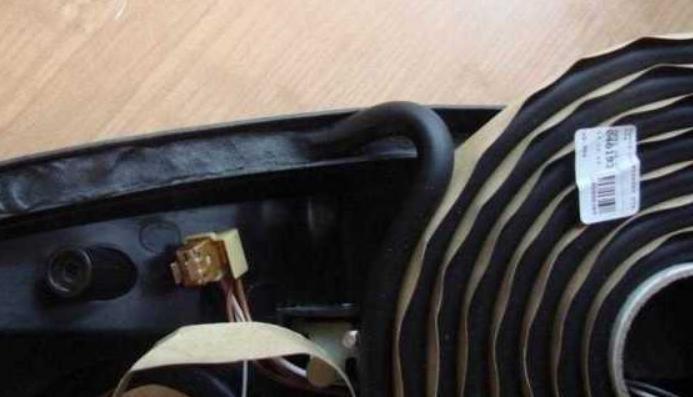 Использование герметика для фар автомобиля