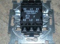 маркировка контактов проходного двухклавишного выключателя