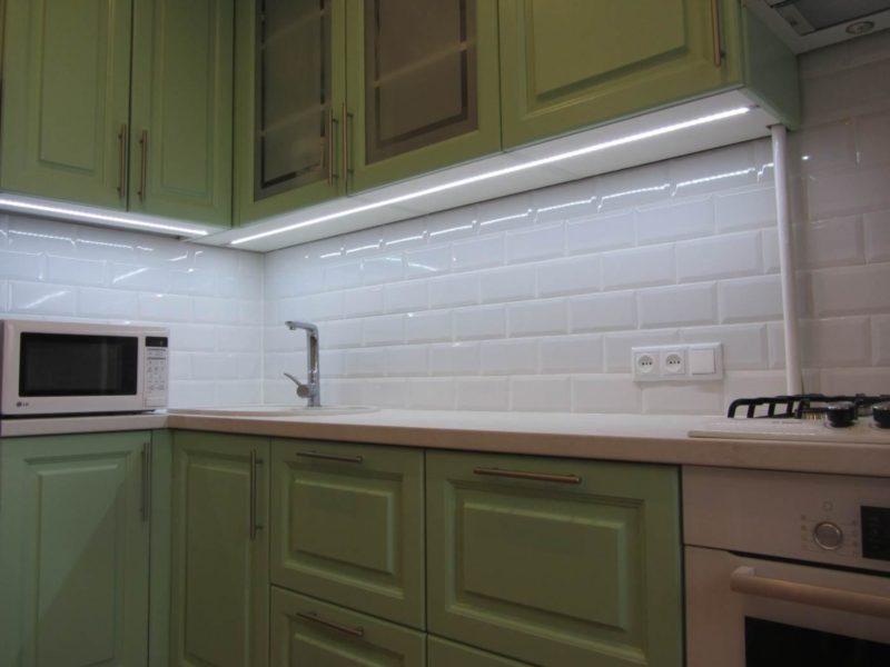Варианты подсветки кухонной рабочей зоны